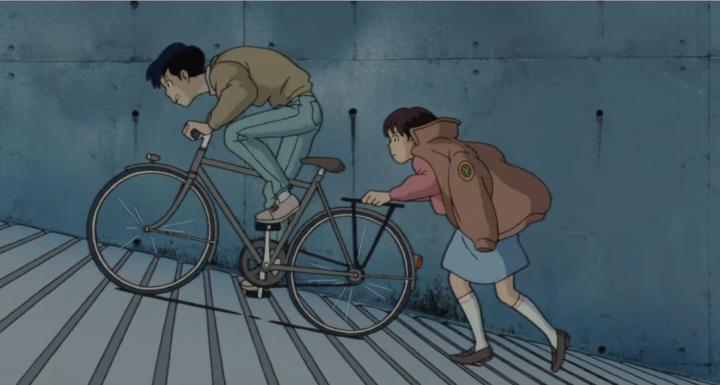 shizuku pushing the bike